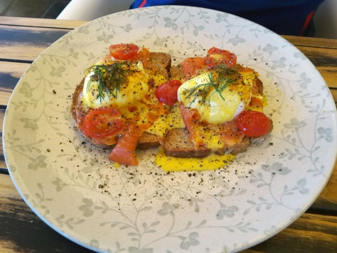 Eggs benedict at I <3 Melkies