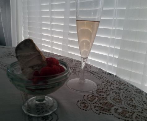 Raspberries and coffee icecream.