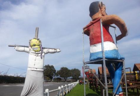 Polkadraai puppets