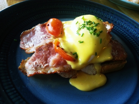 Single bacon benedict at The Hart Bakery in Melkbos