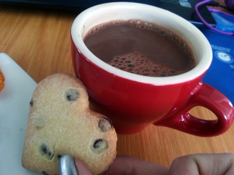 hot chocolate and cookie