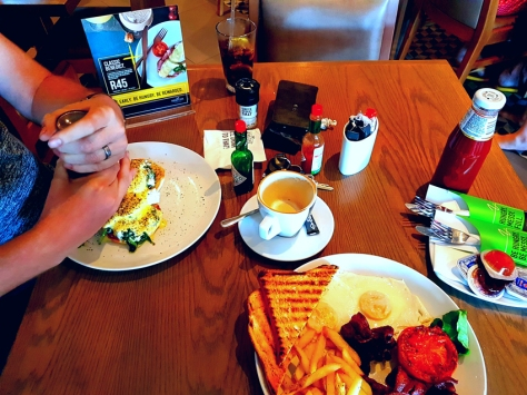 News Cafe breakfast