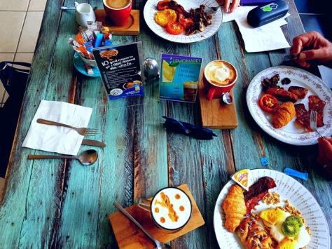 Cup & Cake buffet breakfast