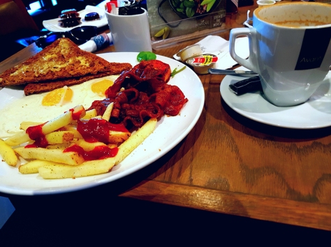 News Cafe early bird breakfast