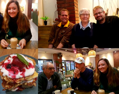 Proof that the others were all there, and see my dirsty chair latte and low-carb banana-berry flapjack stack. Yum!
