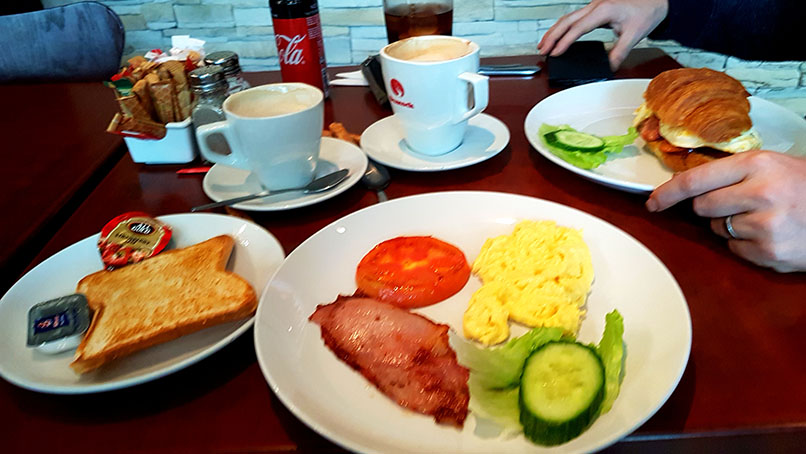 We had a spot of mall admin to sort out first thing on Saturday, so breakfasted at Bica Cafe in Bayside Mall. See our cappuccinos as well as my early bird special with scrambled eggs and Husband's croissant with chorizo and egg.
