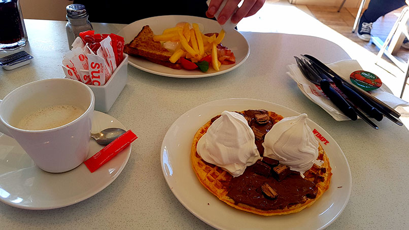 Last Friday was the Women's Day public holiday so we made full use of the opportunity to sleep in late and brunch at Wimpy. See my Bar-One waffle with regular Wimpy coffee, as well as Husband's streaky bacon breakfast.