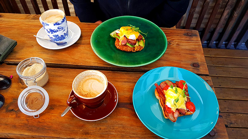 Breakfast is served! We started the official weekend with breakfast at The Hart in Melkbos. See Husband's large cappuccino and chorizo rosti, as well as my single flat white and single bacon benedict.