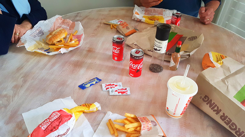 Mum was a little under-the-weather on Sunday, so we opted for Burger King takeaways for lupper. See our extra-long chilli cheese burgers and cans of 'coffee Coke'.